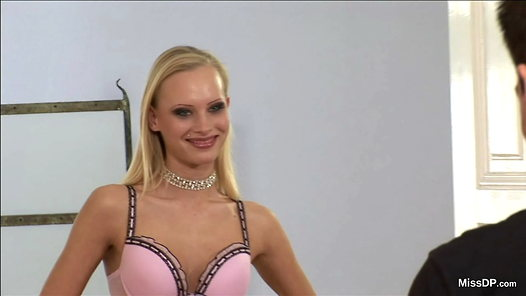 MissDP.com - Gitta Blond HD video screenshots - 1 - 2